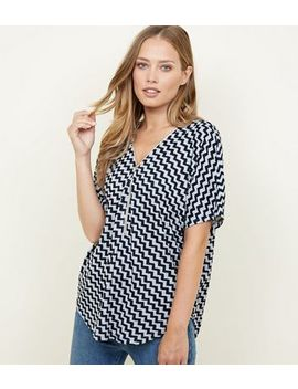 Mela Blue Zig Zag Zip Front Fine Knit Top by New Look