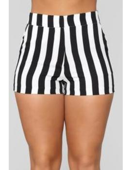 Creative Expression Shorts   White/Black by Fashion Nova