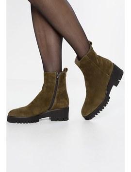 Platform Boots by Maripé