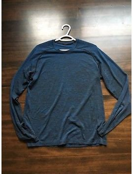 Men's Lululemon Metal Vent Tech Heathered Navy Blue Size Medium Longsleeve by Lululemon