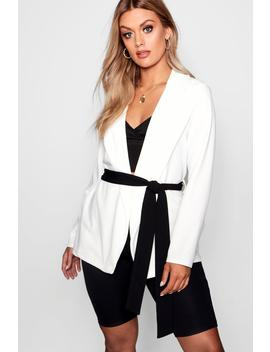 Plus Contrast Belt Longline Blazer by Boohoo