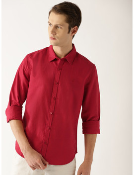 United Colors Of Benetton Men Red Slim Fit Solid Casual Shirt by United Colors Of Benetton