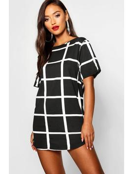 Petite Curved Hem Grid Check T Shirt Dress by Boohoo