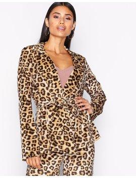 Velvet Leo Jacket by Nly Trend