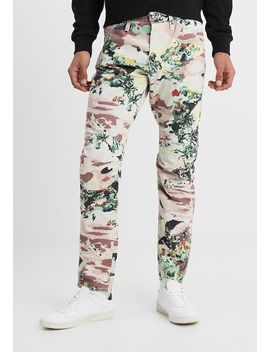 Pharrell Williams   Elwood X52 3 D   Straight Leg Jeans by G Star