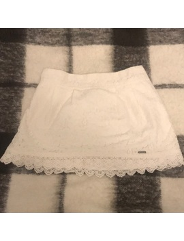 Abercrombie And Fitch White Lace Mini Skirt. by Abercrombie & Fitch