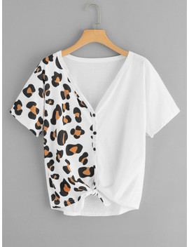 Button Through Knot Hem Printed Tee by Sheinside