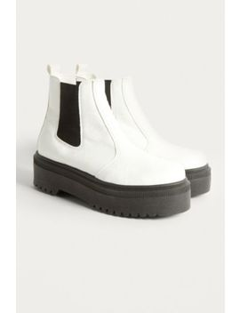 Uo Brody Platform Chelsea Boot by Urban Outfitters