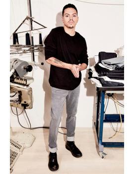 Tyler Taper Fit In Grey Luna by J Brand