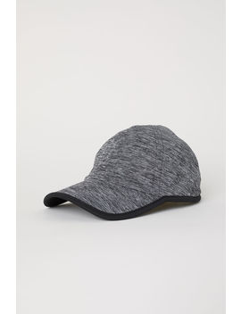 Seamless Sports Cap by H&M