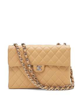 Luxe Finds | Chanel Classic Caviar Jumbo Flap Bag by Banana Repbulic