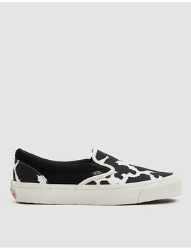 Og Classic Slip On Lx Sneaker In Cow Black/Cow by Vault By Vans