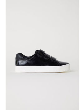 Sneaker Aus Lackleder by H&M