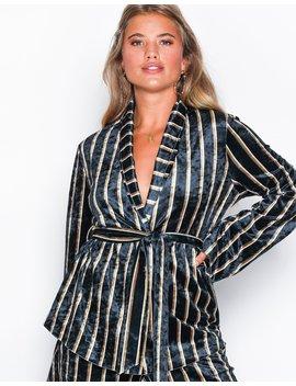 Velvet Robe Blazer by Nly Trend