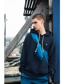 Champion X Uo – Inside Out Hoodie In Ocean by Champion Shoppen