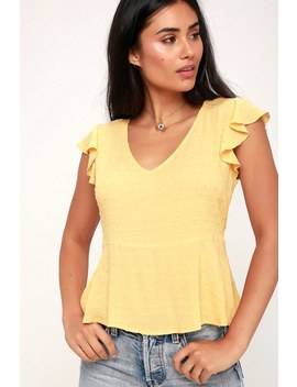 Honeybee Dusty Yellow Ruffled Short Sleeve Top by Sage The Label