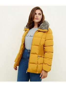 Curves Mustard Cinched Faux Fur Collar Puffer Coat by New Look