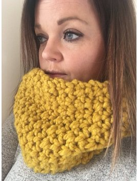 Super Chunky Crochet Cowl by Snuggleandhookmade