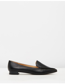 Iconic Exclusive   Casey Leather Flats by Atmos&Here