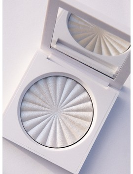 Ofra Cosmetics Highlighter Space Baby By Nikkie Tutorials by Ofra Cosmetics
