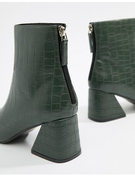 Boohoo Flared Heel Ankle Boot In Green Croc by Boohoo