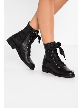 Lace Up Boots by Maripé