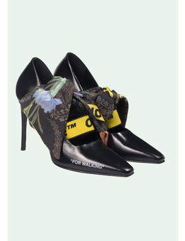 Black Scarf Pump by Off White