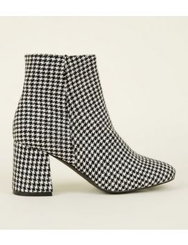 Wide Fit Black Houndstooth Flared Heel Boots by New Look
