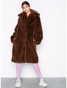 Luxury Fur Coat by Nly Trend