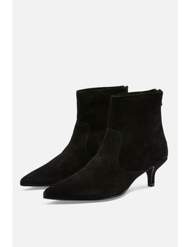 Aspen Pointed Boots by Topshop