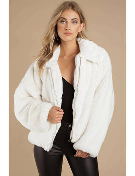 Tiger Mist Hunter White Faux Fur Jacket by Tobi