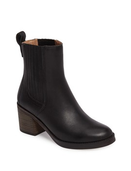 Camden Leather Chelsea Boot by Ugg