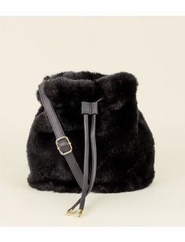Black Faux Fur Duffle Bag by New Look
