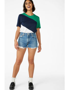 Classic Boxy Tee by Monki