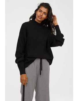 Knitted Jumper With A Collar by H&M