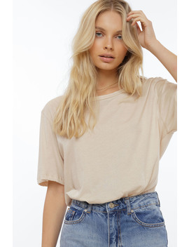 Round Neck Tee by Chiquelle
