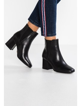 Horizon   Ankle Boots by Buffalo