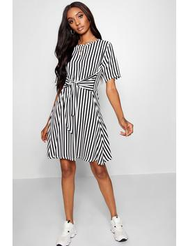 Tie Front Stripe Skater Dress by Boohoo