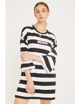 Lazy Oaf – Gestreiftes T Shirt Kleid Mit Herzmotiven by Lazy Oaf Shoppen