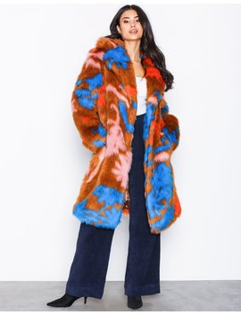 Statement Fur Coat by Nly Trend