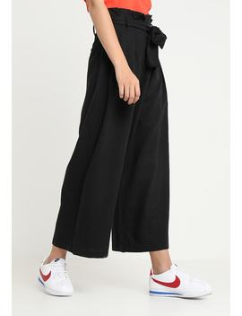 Mucha Trousers   Tygbyxor by Weekday
