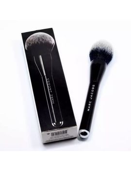 Marc Jacobs: The Bronze Bronzer Brush No. #12 Nib 100 Percents Authentic   $78 + Retail by Marc Jacobs