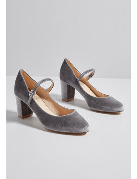 attention-to-excellence-velvet-heel by chelsea-crew