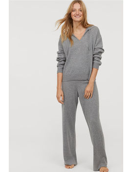 Cashmere Hooded Jumper by H&M
