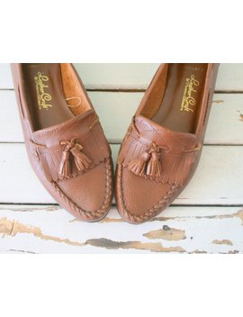 Vintage Boho Loafers...Size 6.5 Womens....Leather Craft. Shoes. Boho. Hippie. Hipster. Urban. Designer Vintage. Brown. 80s. Nautical. Retro by Etsy
