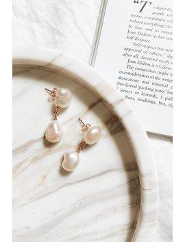 Loani Pearl Earrings // Gold by Vergegirl
