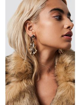Wavy Rhombus Earrings by Na Kd Accessories
