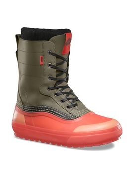 Mens Standard Snow Boot by Vans
