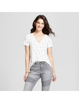 Women's Pineapple Tossed Print Criss Cross V Neck Short Sleeve Graphic T Shirt   Zoe+Liv (Juniors') Ivory by Zoe+Liv