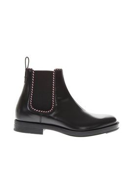 Gucci Beyond Black Leather Chelsea Boots by Gucci